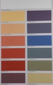 Allein der Lehmstreichputz ist in 12 Farben erhältlich und kann darüber hinaus individuell gefärbt werden